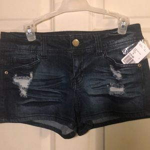 NWT Forever 21 distressed jean shorts size 28